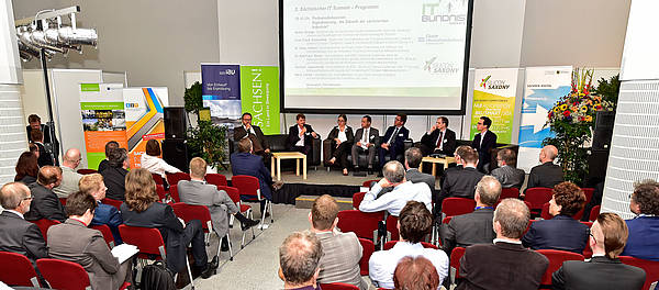 Podiumsdiskussion beim 2. IT-Summit in Chemnitz (Bildquelle: IT-Bündnis Chemnitz)