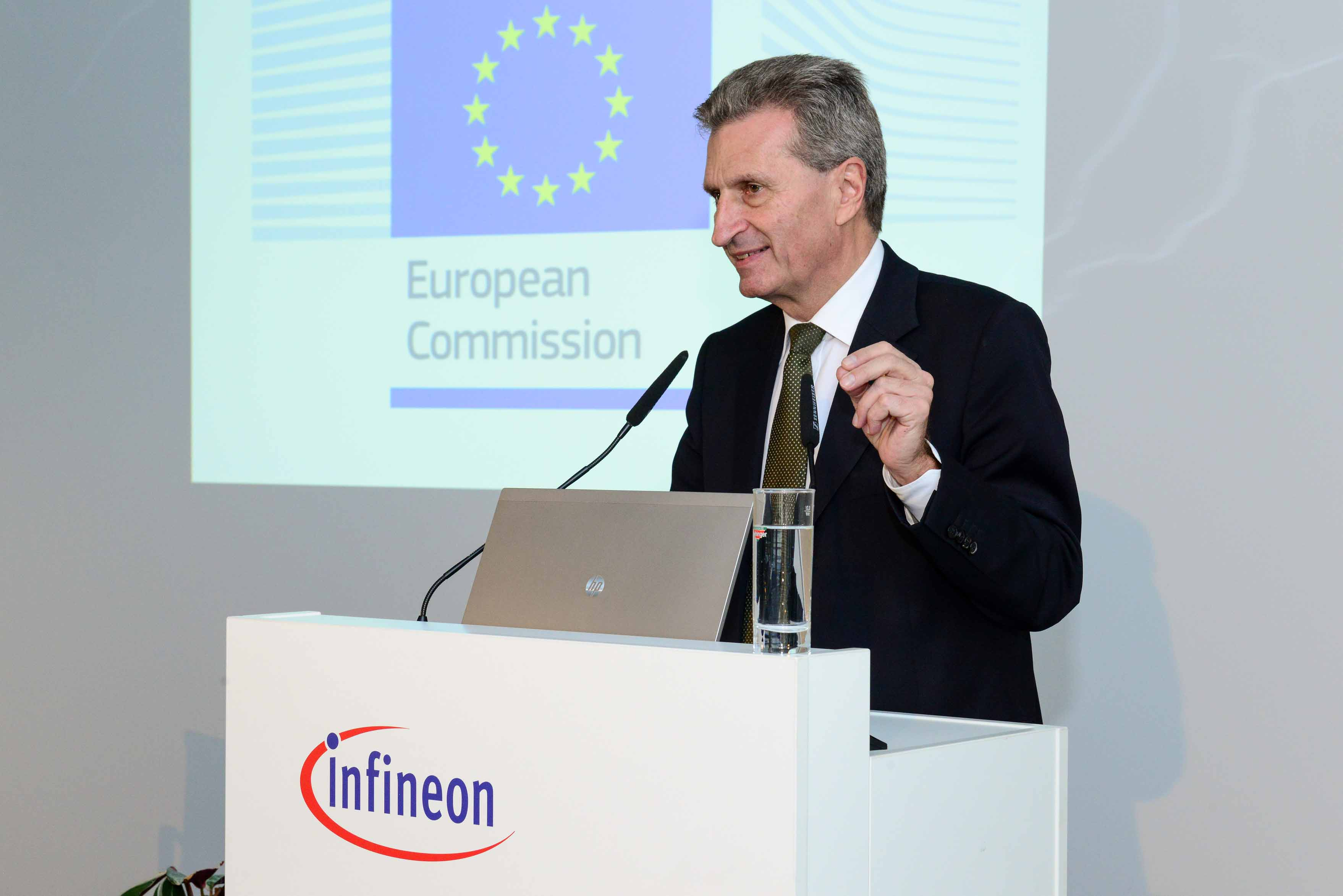 Günther Oettinger discusses current technological trends from Silicon Saxony.